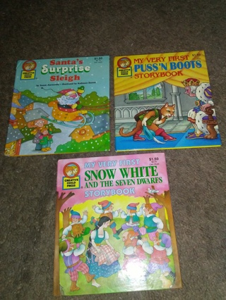 (3) Vintage Small Book Collectible.Snow White, Puss'n Boots,+Sant's Suprise Sleigh.
