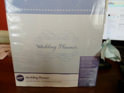 FREE Wilton Wedding Planner Binder