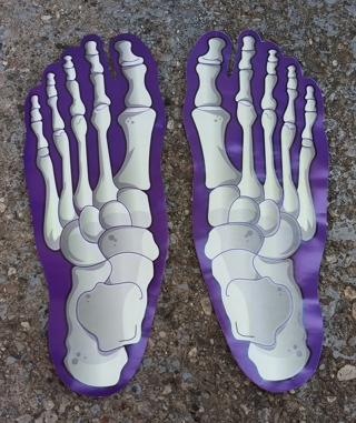 HALLOWEEN SKELTON FEET GLOW IN THE DARK PAPER TRACKS 10 FOOT TRACKS AS SHOWN IN THE PICTURES