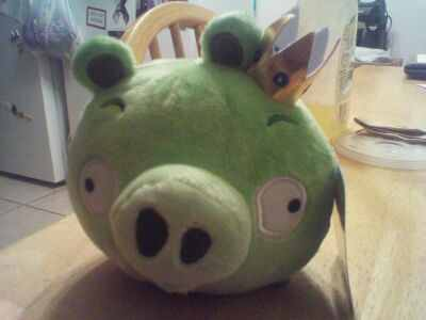 green pig from angry birds