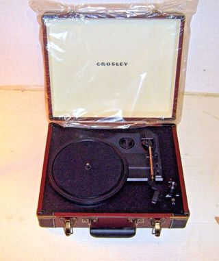 Crosley CR6019A-BR Executive Portable USB Turntable Record Player BROWN BLACK