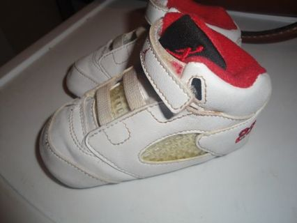 finest selection 06f4e 5bc15 Free: Baby Jordan Crib Tennis Shoes Nike Air Jordan White ...