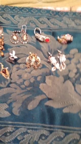 Lot of 9 earrings
