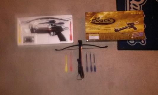 Sparks pistol crossbow w/5 arrows