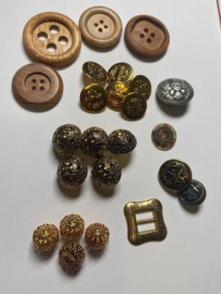 Über Fancy vintage buttons lot (metal, gold, navy, filigree, inlaid, wood...) GIN Bonuses!