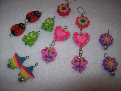 1 set of interchangeable earrings