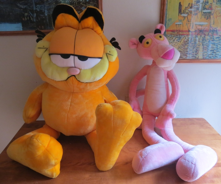 Free Jumbo Kids Lot Garfield Plush Toys 42 Pink Panther Large Dolls Stuffed Animals Listia Com Auctions For Free Stuff