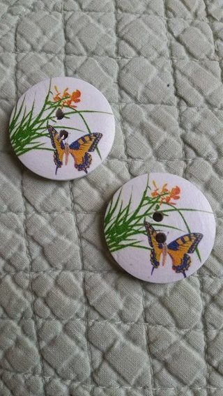 2 SUPER LARGE BUTTERFLY BUTTONS