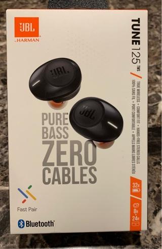 NEW JBL True wireless in ear headphones