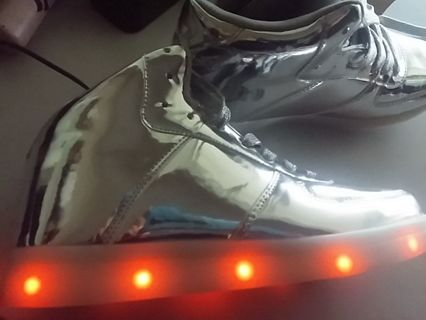 FOREVER LED Light Lace Up Luminous Shoes Sportswear Sneaker USB Rechargeable 6.5