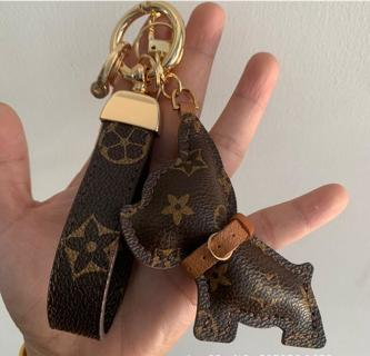 NEW CUTE Bulldog brown leather fashion car keychain