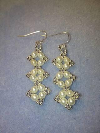 Hand bead woven glass pearl earrings