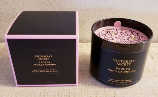 Victoria's Secret Bombshell Peony & Vanilla Orchid 3-Wick Candle!