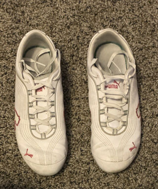 PUMA SNEAKERS,,SIZE WOMENS 8