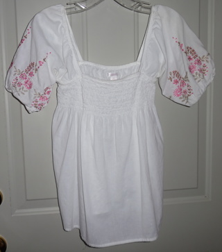 Very Cute White & Pink Floral Embroidered Peasant Style Top by Xhilaration - Size XS
