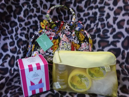 Vera Bradley Emma in Poppy Fields Double BONUS with GIN Prize Candle and The Body Shop