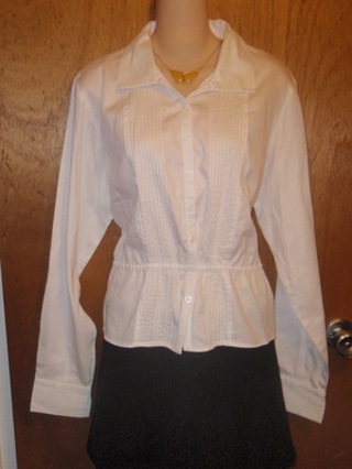 WOMENS WHITE SUMMER BLOUSE - SIZE M