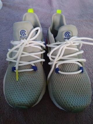 Little Boy's sneakers