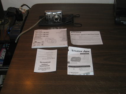 FujiFilm  FinePix A400 Digital Camera w/ Batteries Manual
