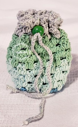 "Crochet Pull String Gift Bag, or Shower Favor Bags**LQQK*** 5""Tall 4"" Diam"