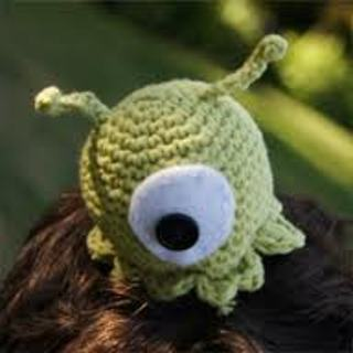 Aliens crochet pattern | PlanetJune by June Gilbank: Blog | 320x320
