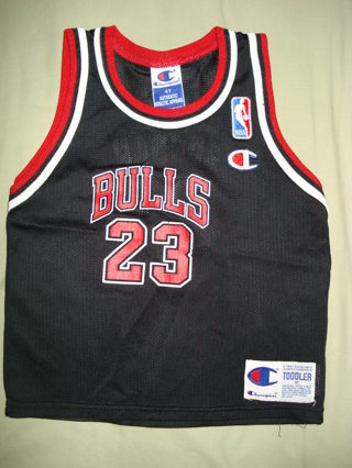 buy popular f3553 037b1 Free: Chicago Bulls Michael Jordan Size 4T Jersey - Boys ...