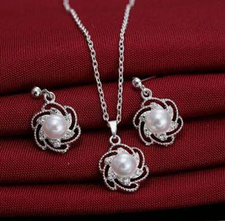 Women Pearl Rhinestone Crystal Necklace Earrings Set