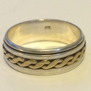 ***STERLING SILVER SPINNER RING!*** Stamped 925