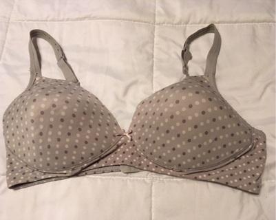 Women's Bra Size 38C Made By Warners