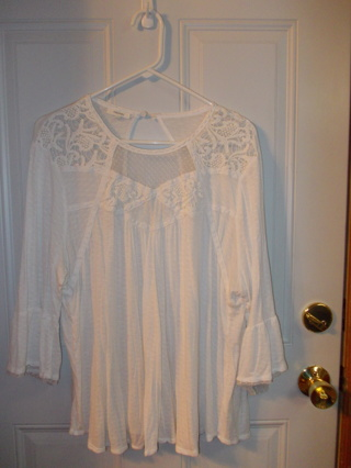 Maurices Size 2 (18/20) Top