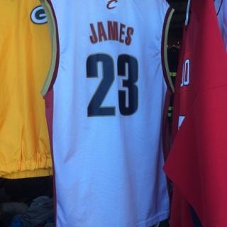 LeBron James Cavs Medium Jersey
