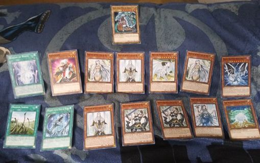 15 mint condition blue eyes yugioh card lot monsters and spells