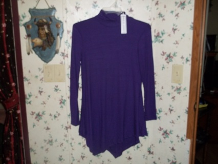 New womens turtle neck and kercheif top