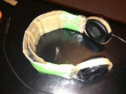 Sad broke head phone