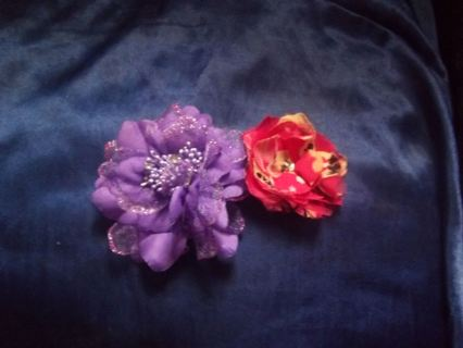 2 beautiful flower hair clips