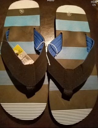 Nwt! MENS sandals size 10/11