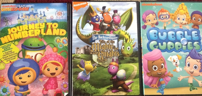 Free: Three Nickelodeon DVDs~ Bubble Guppies~TEAM OOMIZOOMI