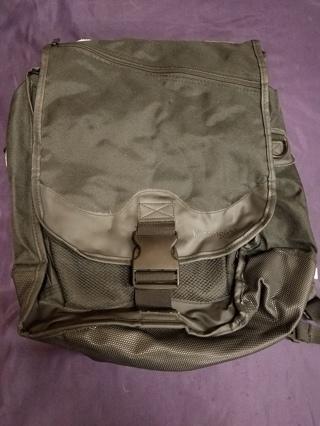 Kensington Black Fold Over SaddleBag Convertible Backpack Laptop Bag K64079D