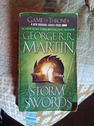 GAME OF THRONES BOOK 3!! A Storm of Swords by George R R Martin