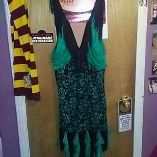 1920s flapper costume.