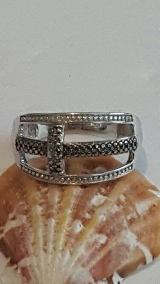 Vintage 925 Sterling silver ring Very Beautiful size 7.25