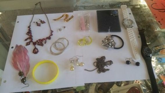 HUGE jewelry lot