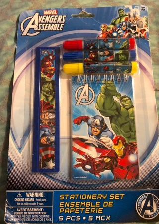 """BNIP: Marvel's """"AVENGERS ASSEMBLY"""" 5 pc Stationery Set. Notepad, Ruler & 3 Markers"""