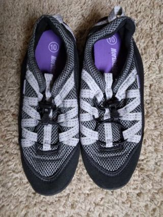 Women's water shoes size 10