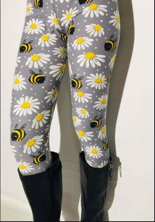 PLUS SIZE BEE DAISY LEGGINGS Fits Sizes 12-20 NEW FREE SHIPPING!