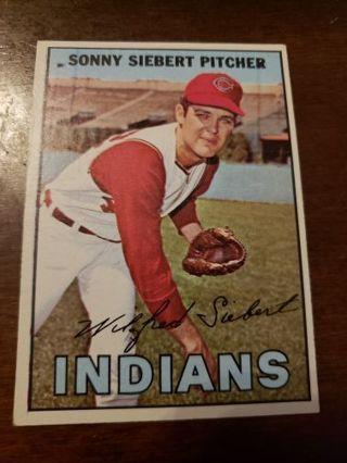 1967 Sonny Siebert Cleveland Indians vintage baseball card