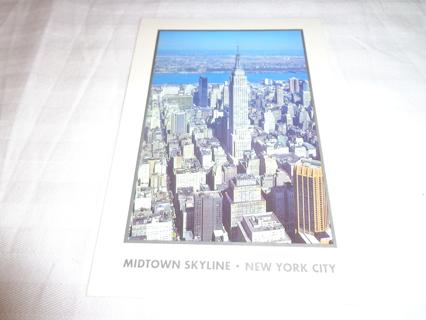 MIDTOWN SKYLINE / NEW YORK CITY