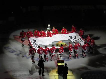 CHICAGO BLACKHAWKS STANLEY CUP BANNER NIGHT PHOTOS