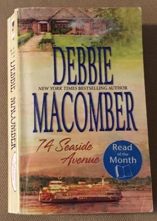 74 Seaside Avenue; A Cedar Cove Novel