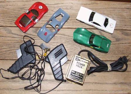 VINTAGE 60's ELDON #3400 POWER PACK plus SLOT CARs 1/32 SCALE 2 Controllers LOT Works!